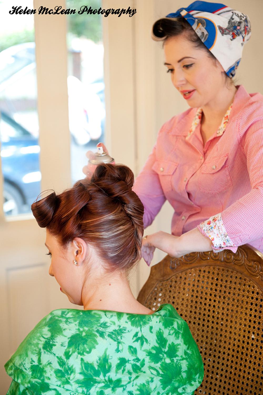 3 easy ways to tie a headscarf retro style2